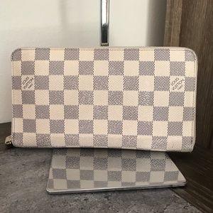 Louis Vuitton Damier Azur Large Zippy Wallet 💙